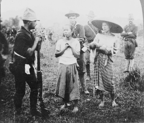 Women begging for food from Americans during the Phil-Am War.
