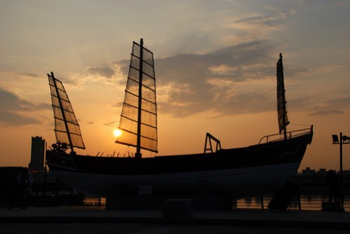 碼頭上展示的帆船
