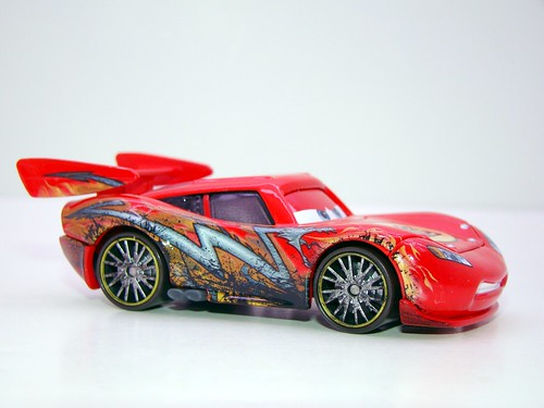 disney cars toon oil stained dragon mcqueen (2)