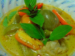 Thai Food with LoVE..LOvE... for you, my Dearset. Thai Green Curry Chicken (Gang Keaw Warn)