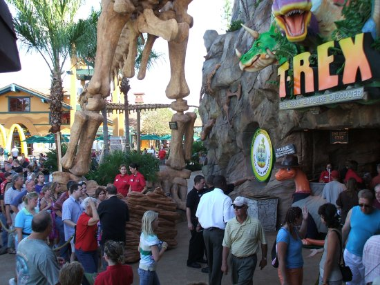Lines on Opening Day at T-Rex Cafe