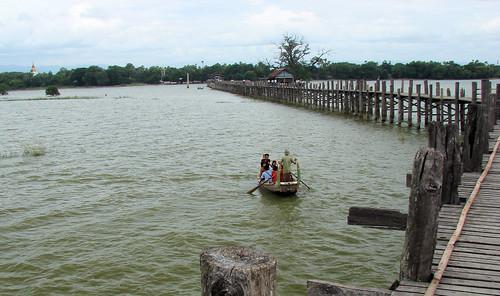 Puente de teca del lago Taungthaman.