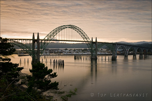 Yaquina Bay Bridge at sunrise