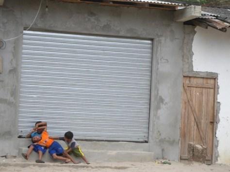 Kids play in Montanita