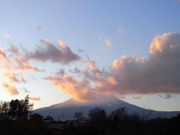 御殿場プレミアム・アウトレットからの富士山 2