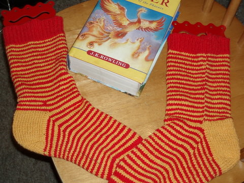 Red and Gold striped knit socks in cotton lycra yarn (elann esprit) for Hogwarts Sock Swap Pal
