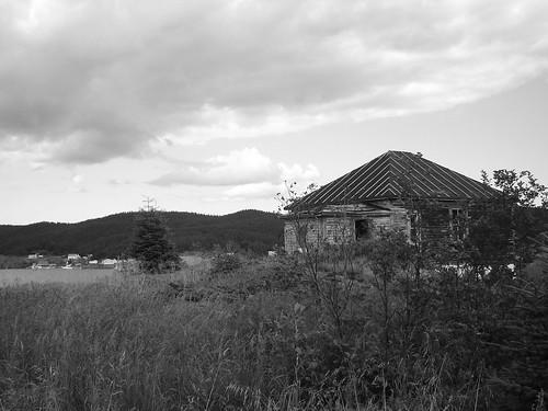 Back of hip-roofed cottage