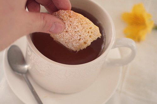 Dunking a madeleine