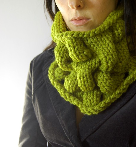 green loopy cowl