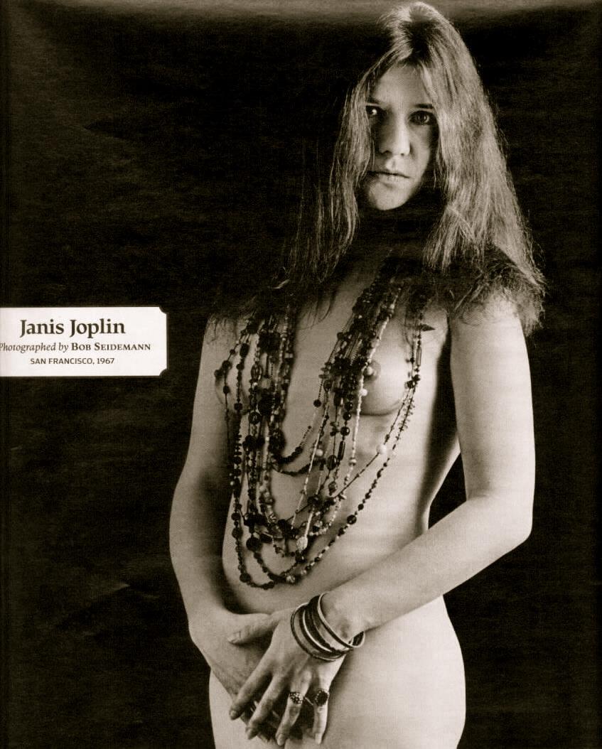 Janis Joplin, vestida con la música de todos los sueños imposibles y futuros... Te adoramos, Janis...