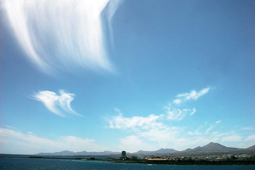 Arrecife skies