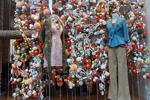 Anthropologie X-mas 2008 store window by platinumblondelife.