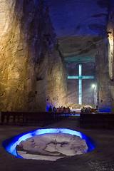 Das Kreuz im Hintergrund ist riesig!