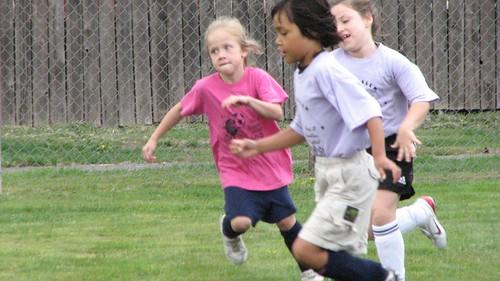 Em Soccer 3