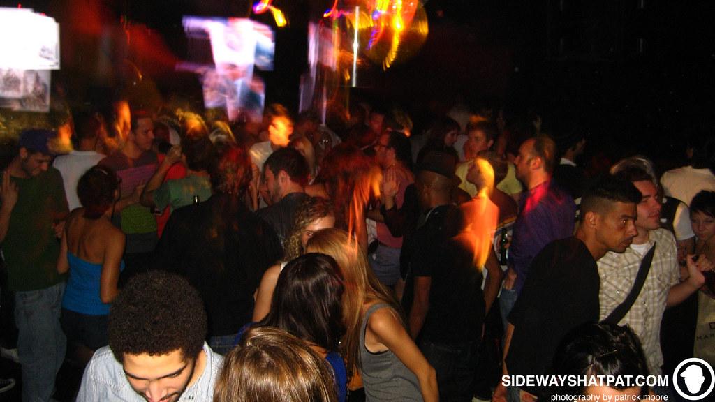 dlyf_crowd-007