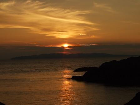 粟島に沈む夕日