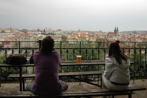 Sentados en el Beer Garden