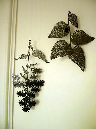 Koko metal leaf hangings