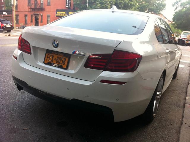 Imaginary Player - BMW 530 iX