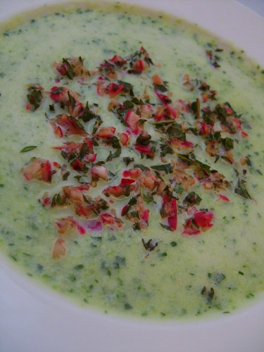 Chilled Courgette Soup wit Radish and Mint Pesto