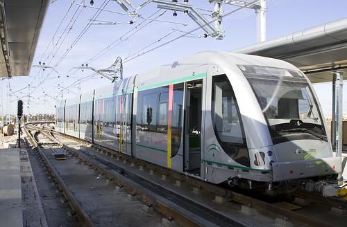 Las pruebas de los trenes de Metro de Sevilla llegan a la estación Pablo de Olavide. 01/12/08