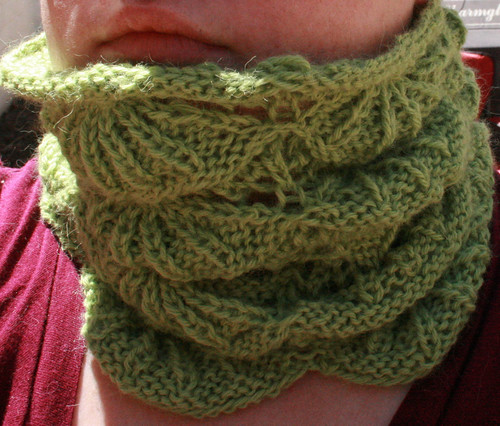 * Cute cowl!  Not that I have any need for one in Florida, but its still cute!
