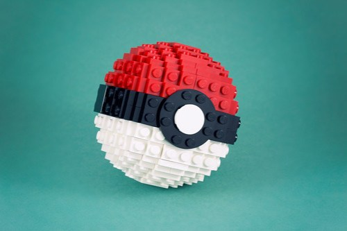 Build a Pokéball | The Brothers Brick | The Brothers Brick