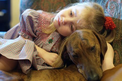 Cassandra cuddling Azelouan