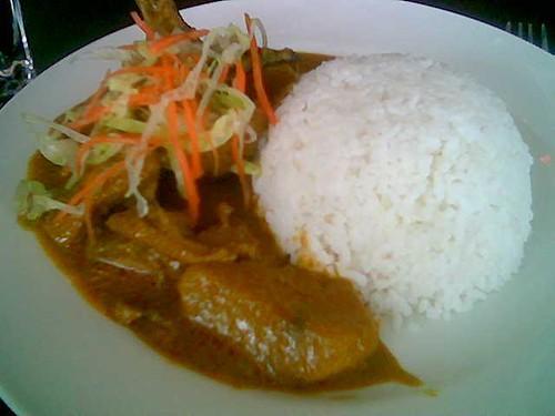 KK International Airport chicken curry rice
