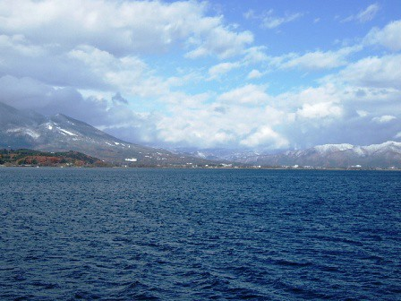 猪苗代湖から観た景色
