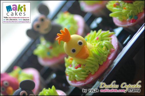 Duckies Cupcake - Maki Cakes