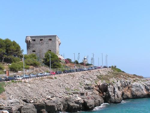 La Torre del Rey sobre los acantilados