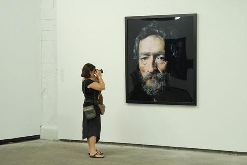 Le photographe & le modèle. Arles, 2008