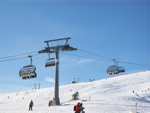 Ski-lovers troop to Feldberg in winter to enjoy the classic winter sport
