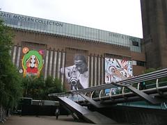 Graffiti on Tate Modern (24 May 2008)
