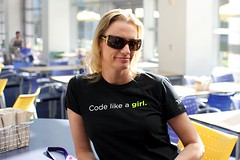 Code like a girl by xeeliz.