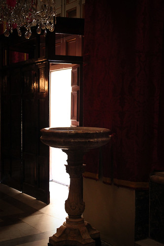 Font-and-door-St-Publius