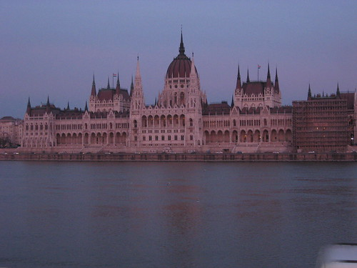 Hungarian parlament in Budapest, picture by GuidetoBudapest