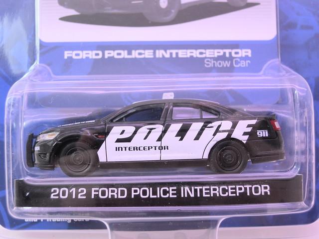 greenlight hot pursuit  2012 ford police interceptor show car  (2)