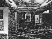 Marcel Duchamp. Mile of String 1942.