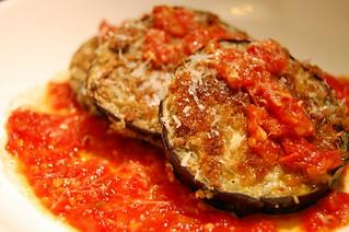 eggplant with fresh tomato sauce