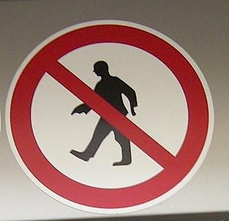 Kein Durchgang für Leute mit Hummerscheren