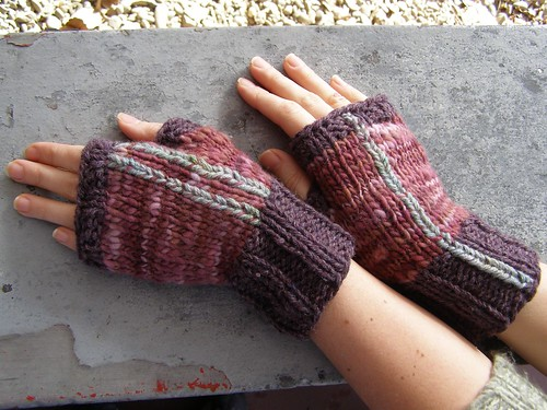 fishtail wallpaper mitts - in action