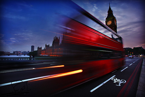 London in Motion by althani_1986.