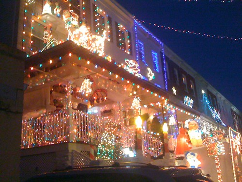 Hamden, MD --34th St Christmas Lights!