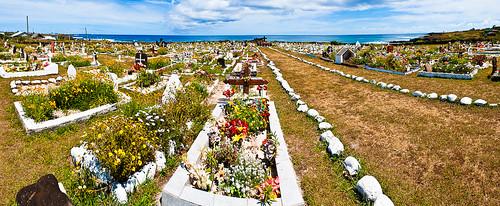 Der äusserst fröhliche Friedhof von Hanga Roa