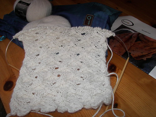That Little Scarf - knitting it with Cascade Yarn Indulgence. (30% Angora & 70% Alpaca)