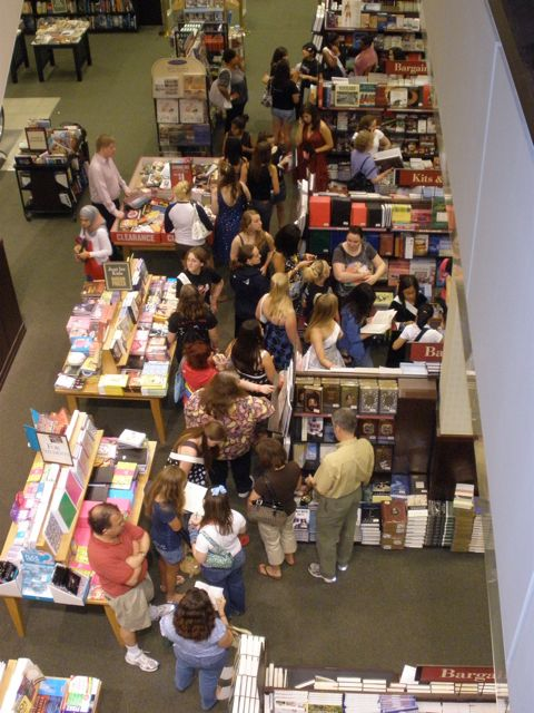 The first wave of Twi-hards line up downstairs to buy their books.