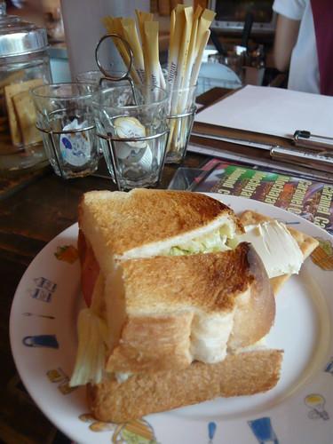菜單上沒有的三明治,直接跟老闆點就有早餐吃