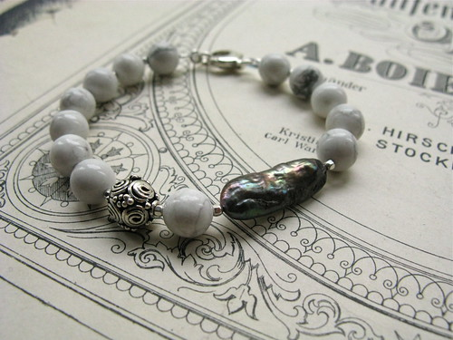 White mountain bracelet